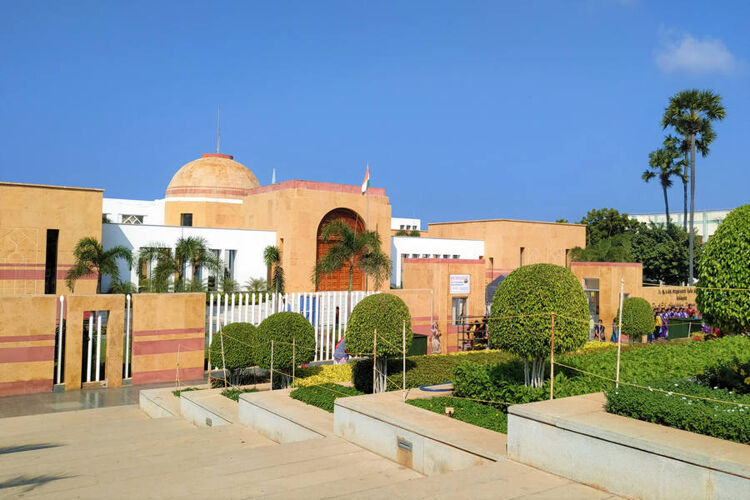 Visitors not allowed to take photos inside Abdul Kalam's memorial …