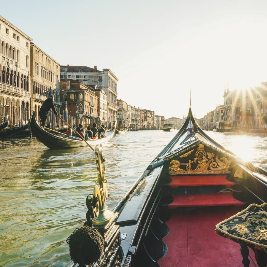 Top Places To See in The Grand Canal Header Image